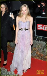 Amanda Seyfriend in Alexander McQueen