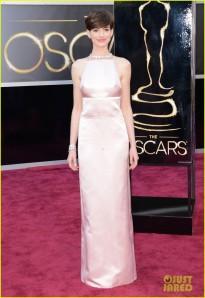 Anne Hathaway in Prada